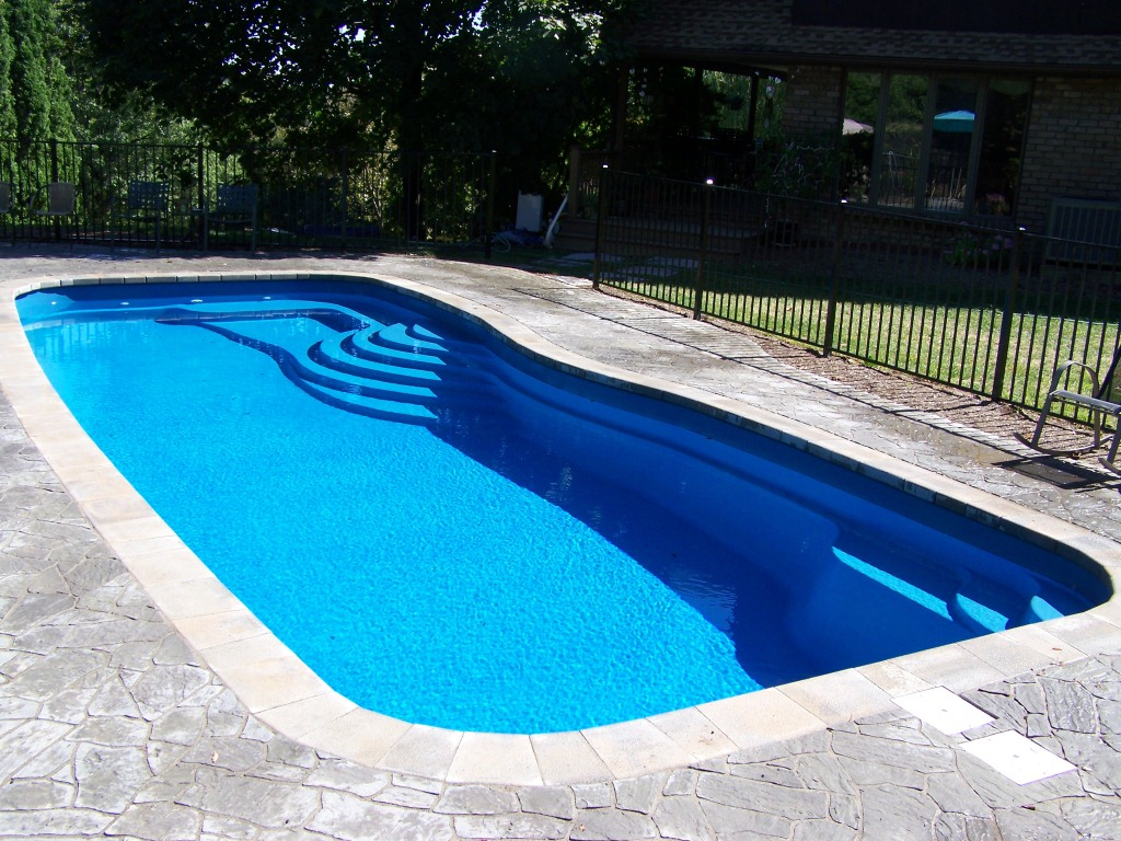 Crystal pools fiberglass swimming pools for Pacific pools