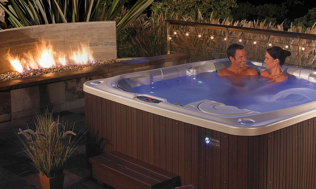7 Ways To Enjoy Your Hot Tub In The Fall